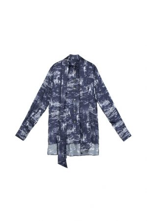 Knight print French float led long-sleeved shirt.